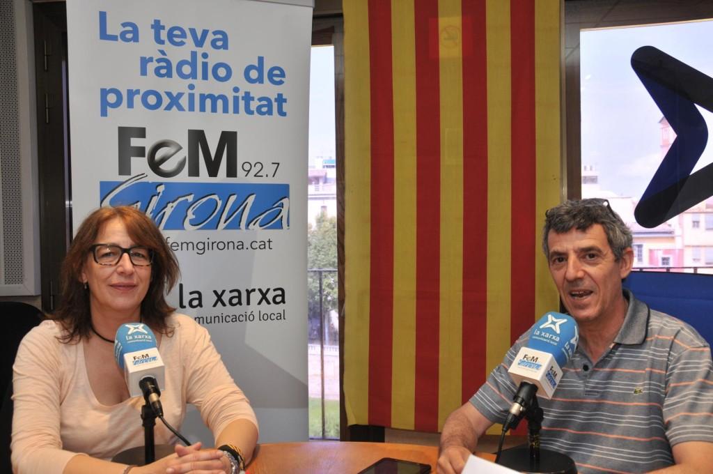 Maria Rosa Agustí a Fem Girona parlant de ciclistes i assegurances.